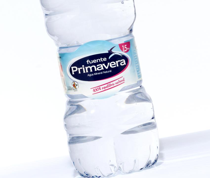 Agua Fuente Primavera. Etiquetas encolables. Labelgrafic
