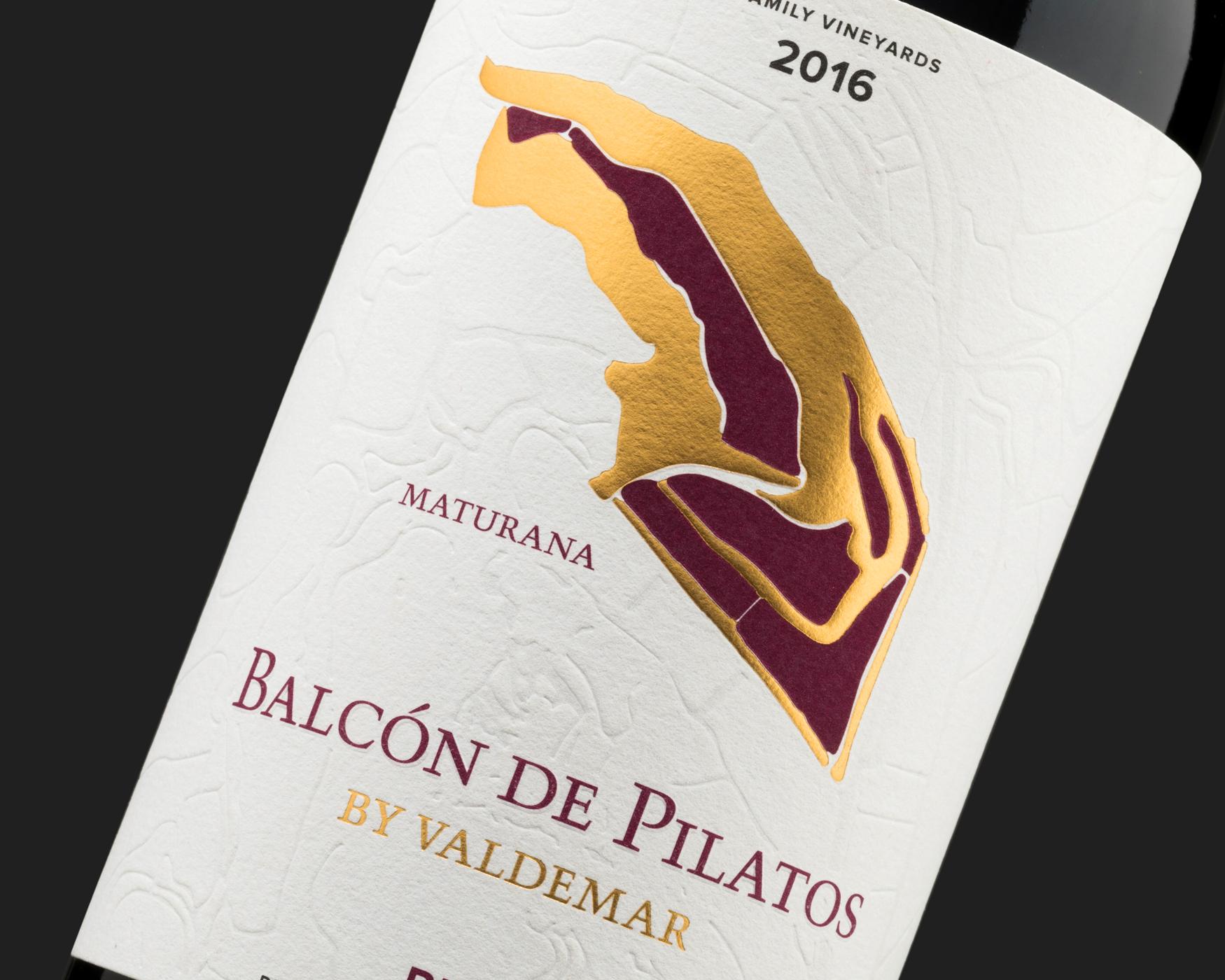 Vino Balcón de Pilatos. Etiquetas adhesivas. Labelgrafic