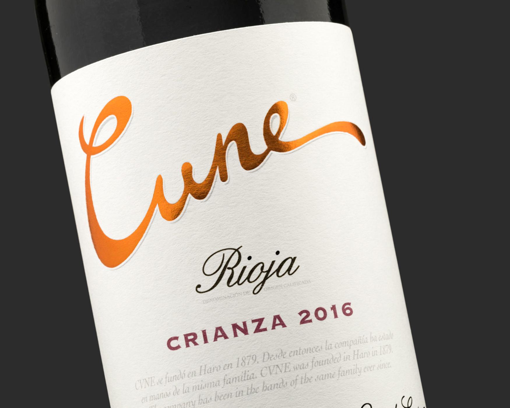Cune Crianza. Etiqueta de vino adhesiva. Labelgrafic.
